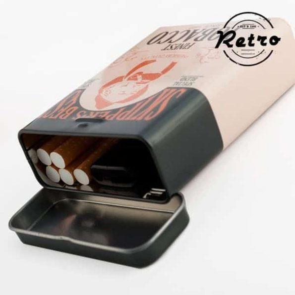 Ретро Метална Кутия за Цигари