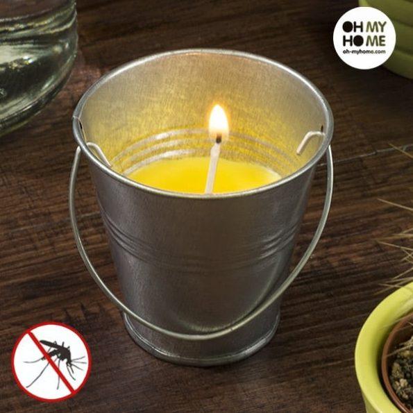 Свещ в Кофа Против Насекоми